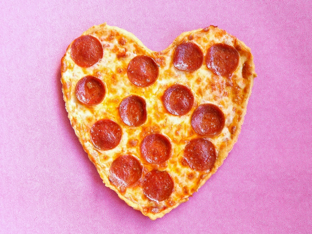 Why Pizza is the Food of Love - Featured Image